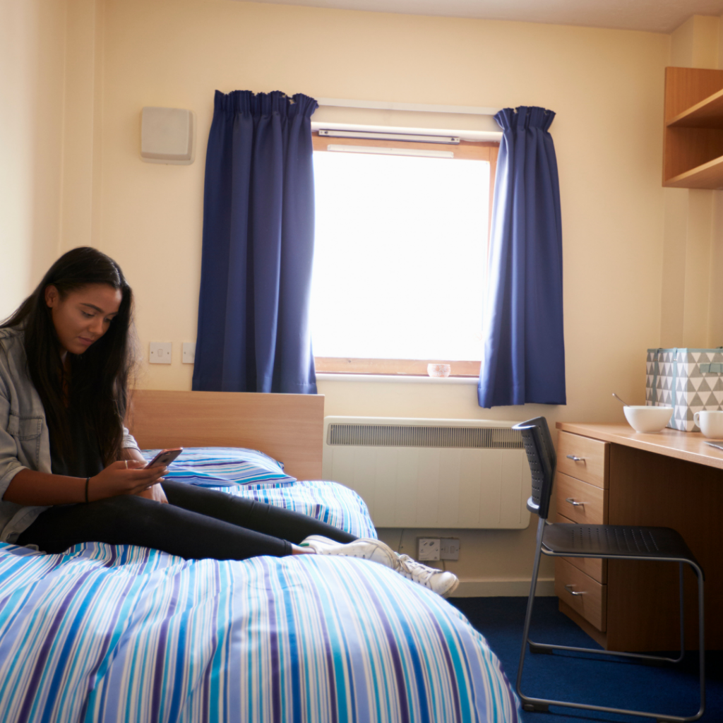 How To Book Cheap Accommodation?